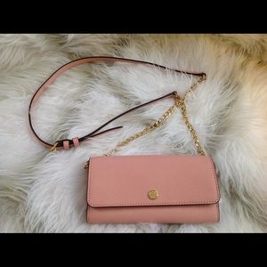 NWT Michael Kors Jet Set Travel Wallet On A Chain